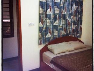 Mad House Phnom Penh - Superior Room