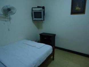 Mad House Phnom Penh - Guest Room