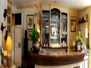 Villa Margarita Hotel Davao City - בר/טרקלין