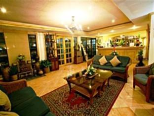 Villa Margarita Hotel Davao City - לובי