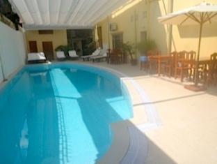 PC Hotel Phnom Penh - swimming pool