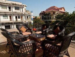 PC Hotel Phnom Penh - Balcony/Terrace