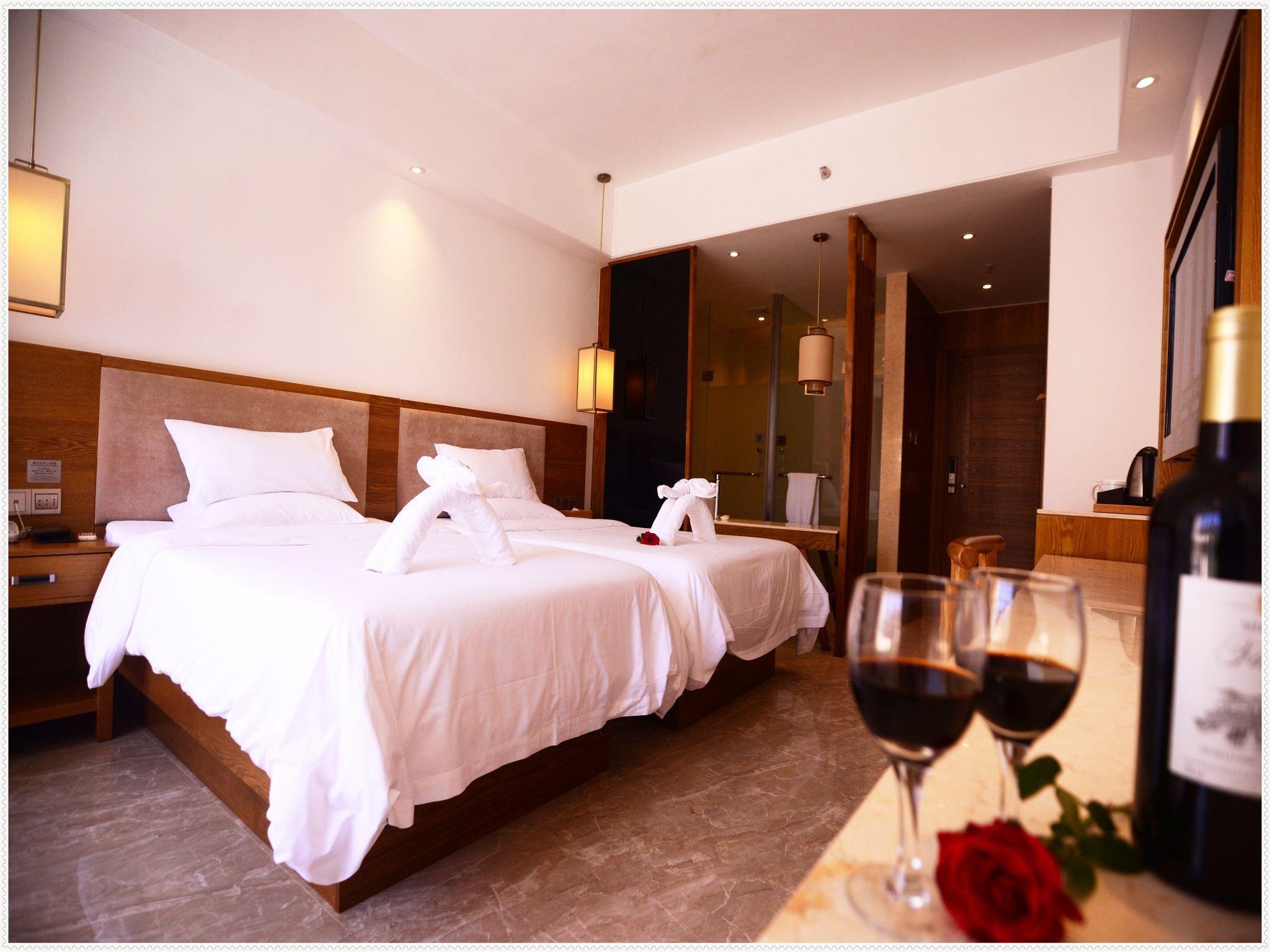 Price Yinyun Sea View Hotel