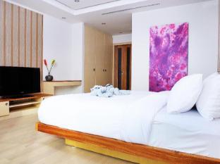 Beachfront Phuket Hotel Phuket - White Coral Suite
