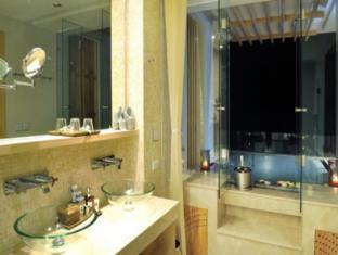 Beachfront Phuket Hotel Phuket - Bathroom