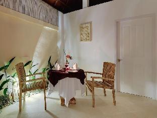 Nipuri Hotel