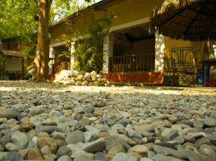 Maruni Sanctuary Lodge Chitwan - recepcija