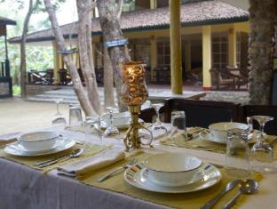 Maruni Sanctuary Lodge Chitwan - restavracija