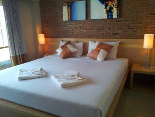 Chinotel Phuket - Standard Room