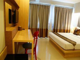 Chinotel Phuket - Guest Room