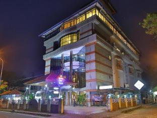 /hotel-fort-queen/hotel/kochi-in.html?asq=jGXBHFvRg5Z51Emf%2fbXG4w%3d%3d
