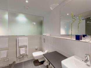 TRYP Berlin Mitte Hotel by Wyndham Berlin - Bathroom