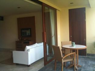 Komaneka at Rasa Sayang Ubud Hotel Bali - Balcony/Terrace