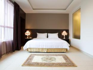 Cherengin Hills Convention & Spa Resort Janda Baik - Premier Suite