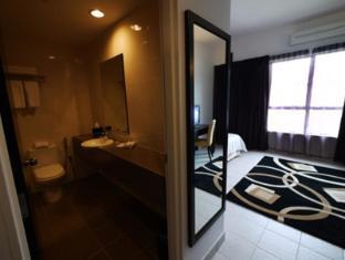 Cherengin Hills Convention & Spa Resort Janda Baik - Bathroom