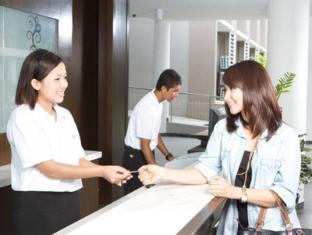 Cherengin Hills Convention & Spa Resort Janda Baik - Reception Counter