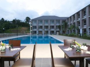 Cherengin Hills Convention & Spa Resort Janda Baik - Swimming Pool