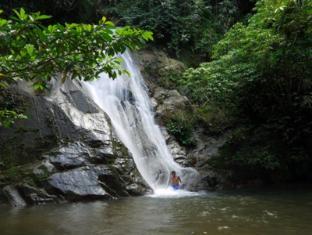 Cherengin Hills Convention & Spa Resort Janda Baik - Ulu Tampit Waterfall