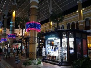 Pimnara Boutique Hotel Phuket - Shopping near Hotel