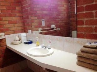 Kaniva Colonial Gardens Motel Kaniva - Bathroom