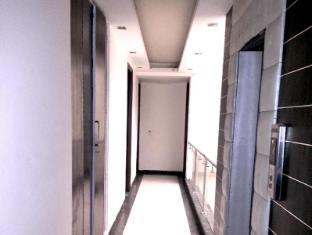 Hotel Vista Inn New Delhi and NCR - Corridor