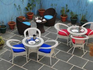 Hotel Vista Inn New Delhi and NCR - Restaurant