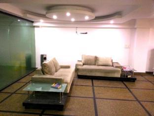 Hotel Vista Inn New Delhi and NCR - Lobby