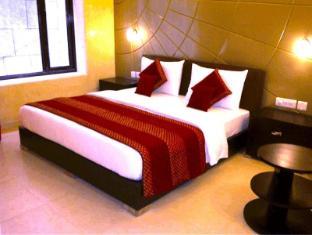 Hotel Vista Inn New Delhi and NCR - Deluxe room