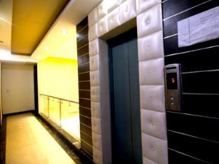 Hotel Vista Inn New Delhi and NCR - Elevator