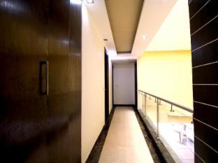 Hotel Vista Inn New Delhi and NCR - Floor Plans