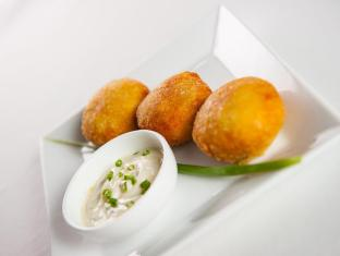 The Willow Boutique Hotel Phnom Penh - fish cakes