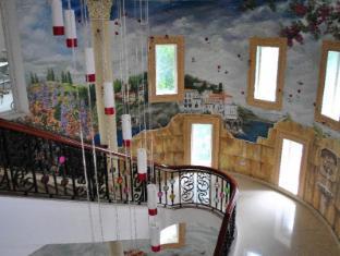 Hotel Elizabeth Cebu Cebu City - Staircase to Santorini Ballroom