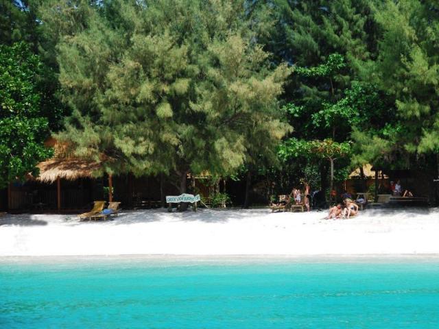 กรีนวิว บีช รีสอร์ท – Green View Beach Resort