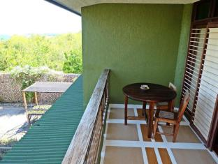 Bohol Bee Farm Hotel Panglao sala - Balkons/terase