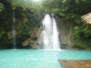 Savedra Beach Bungalows Moalboal - Nearby Attraction - Kawasan Falls