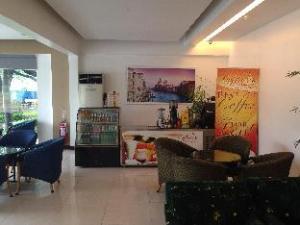 Subic Bay Travelers Hotel