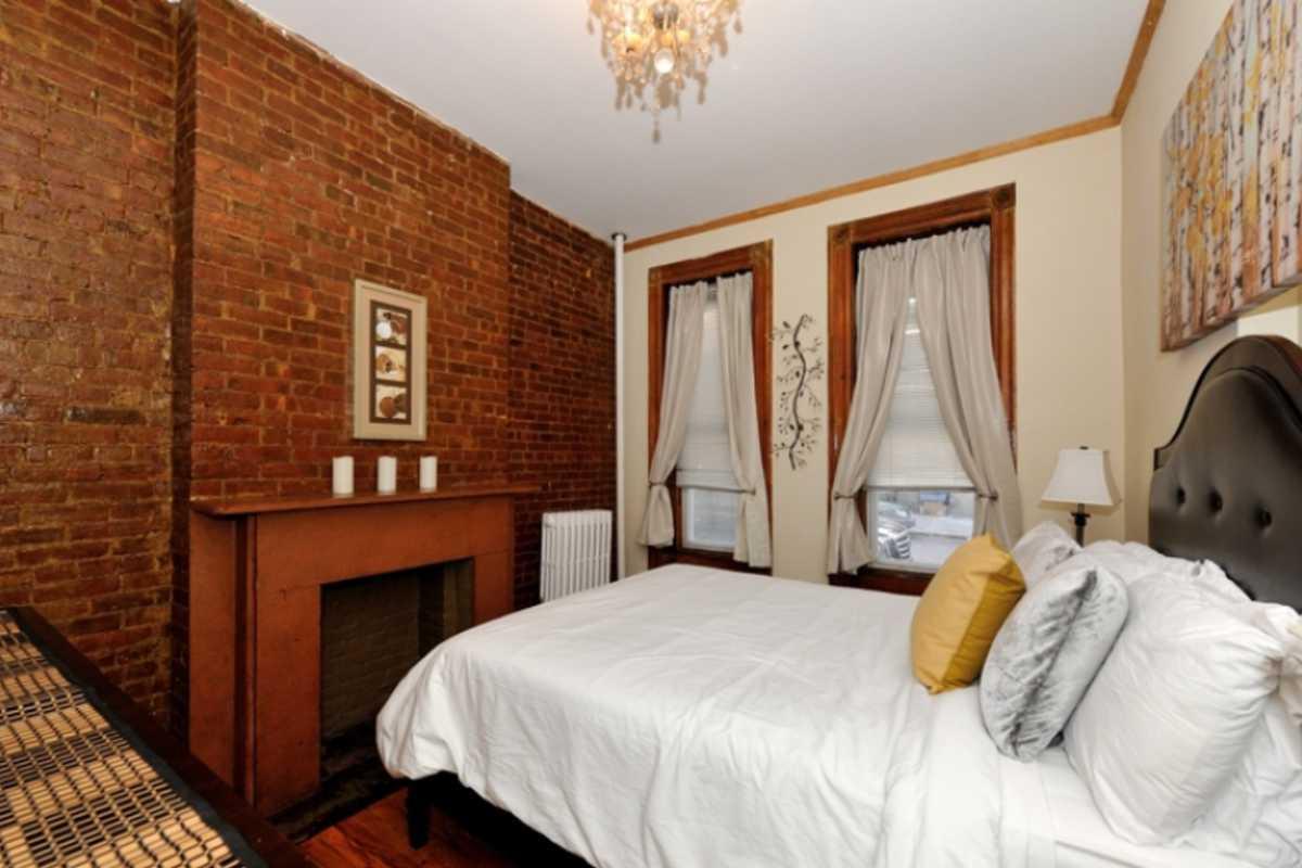 Fantastic 2 Bedroom Midtown East 8569