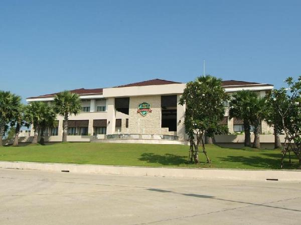 Suwan Golf & Country Club Nakhon Pathom