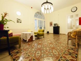 Guest Rest Studio Apartments