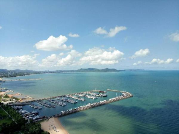 White Sand Beachfront Pattaya Pattaya