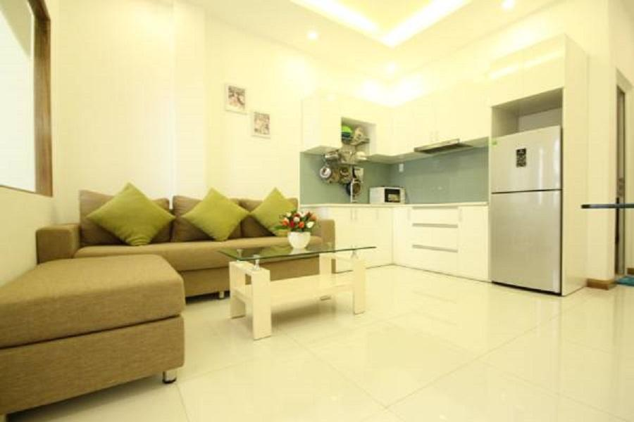 Smiley 7  B2 One Bedroom Apt With Large Kitchen