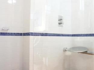 Legends Hotel Brighton and Hove - Bathroom