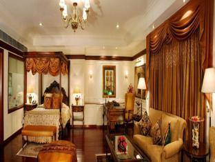 The Palms Town & Country Club New Delhi and NCR - Guest Room