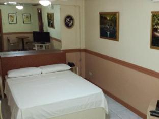 Kokomos Hotel & Restaurant Angeles / Clark - Deluxe Room