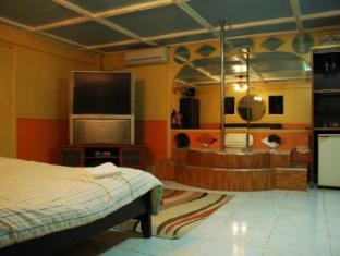 Kokomos Hotel & Restaurant Angeles / Clark - Guest Room