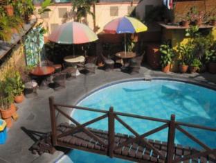Kokomos Hotel & Restaurant Angeles / Clark - Swimming Pool