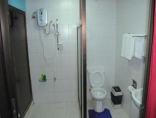 Kokomos Hotel & Restaurant Angeles / Clark - Bathroom