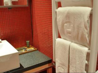 Hotel Double One Taipei - Bathroom