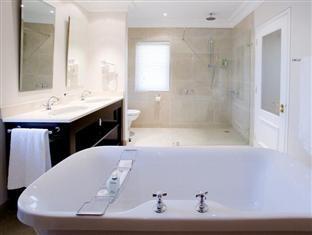 The Devon Valley Hotel Stellenbosch - Vineyard Luxury Room Bathroom