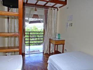 Mountain's Bay Guest House and Spa Puerto Princesa City - Sea View Room
